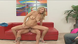 Blonde beauty rammed and mouth jizzed in front her cuckolded husband
