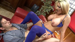 Amazing blonde experienced milf in sexy lingerie gets screwed