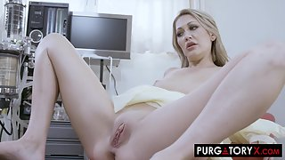 Tasty brunette spreads her pussy in the doctor's office