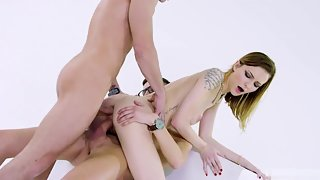 Damn Pretty Teen Belle Claire Gets Double Penetration