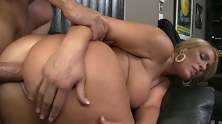 Fantastic blonde girl gets her cunt penetrated by a fat cock