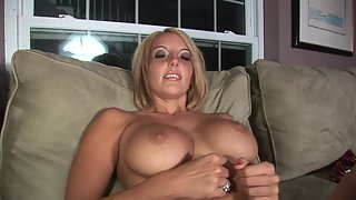 Milf makes her pussy gush and cum