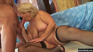 Blonde Claudie Lady Before Sucking Gets Nice Pussy Licking by Dude