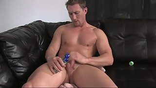Fit hunk making his dick sprout semen