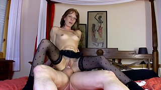 Slim wife in stockings get anally plowed before taking cum in her mouth