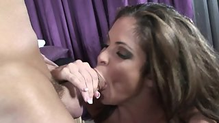 Amazing cougar gets her muff pounded